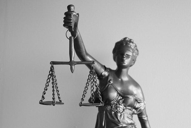 legal-5293009_640